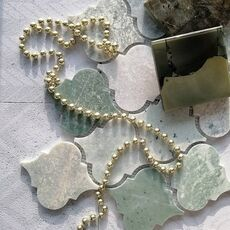 м  ДЕКОР ROVENA GREEN, каменная мозаика, лист 335*250*8мм, на сетке